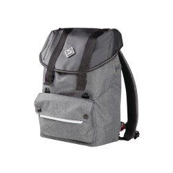 Backpack in 467-G water...